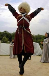 Учимся танцевать лезгинку всеми возможными способами