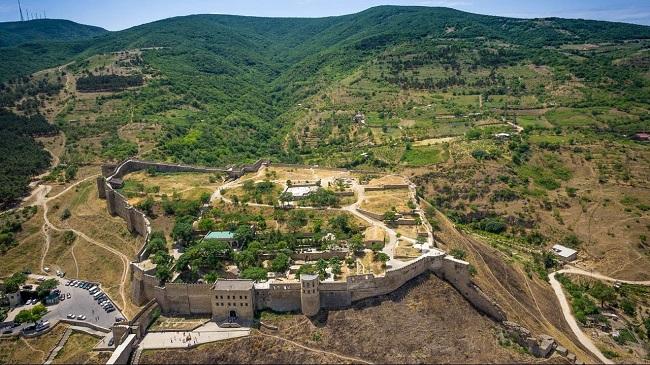 Многие пытались завоевать неприступную крепость Нарын - Кала