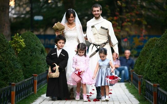 Свадьбы на Кавказе выделяются своей помпезностью