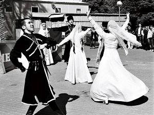 Знаменитая кавказская лезгинка имеет миллионы поклонников