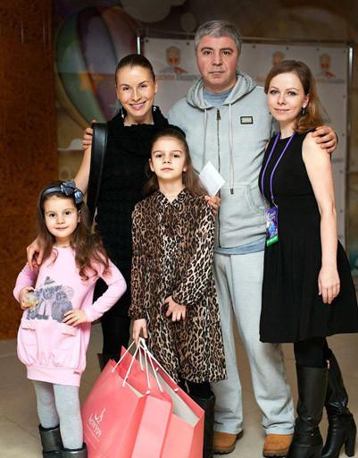 Король восточной музыки Сосо Павлиашвили с детьми