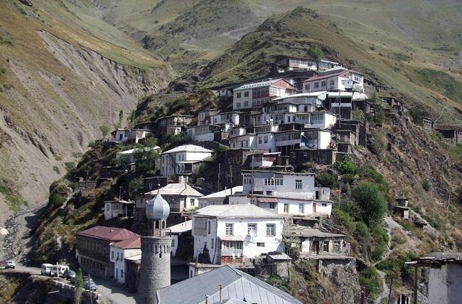Селение Рутул в горах Кавказа