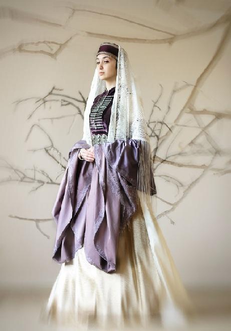 Абазинский женский национальный костюм