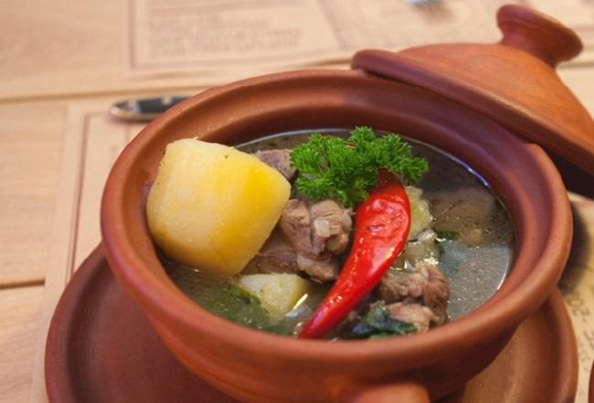 Пряный осетинский суп из картофеля и барабанины