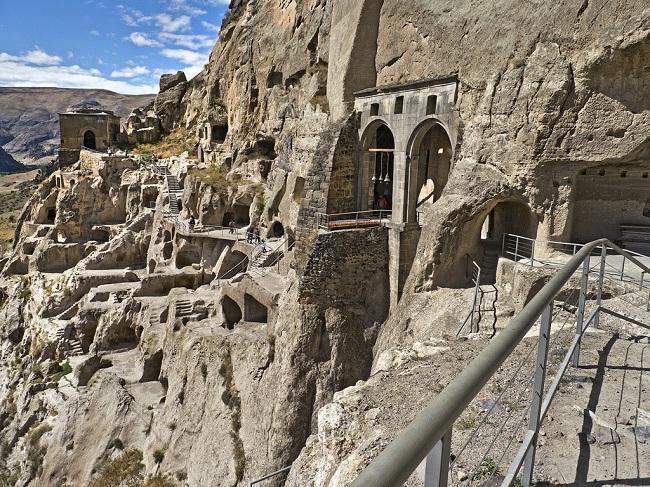 Вардзиа - пещерный город Грузии