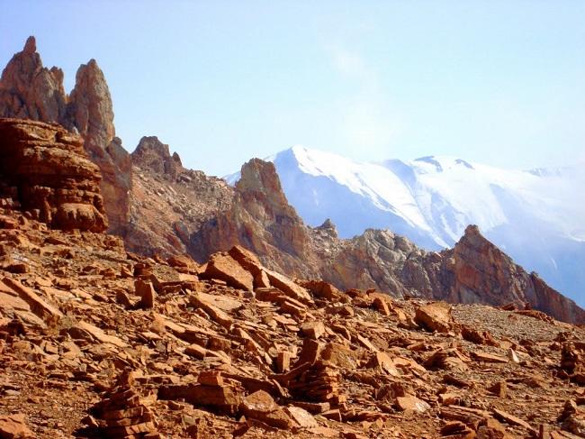 С горы Шалбуздаг открывается замечательный вид на вершины Базардюзю