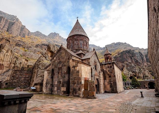 Религия в жизни армян имеет большое значение