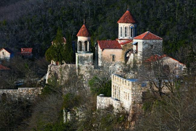 В монастыре Моцамета захоронены святые Давид и Константин