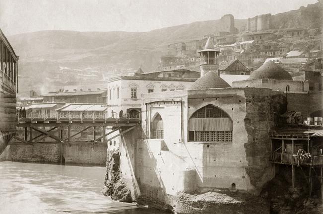 Джума-мечеть – это единственный исламский храм в Тбилиси