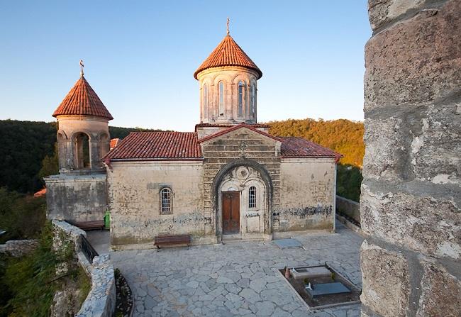 Сегодня монастырь одна из достопримечательностей Кутаиси