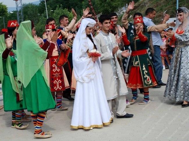 Свадебные традиции армян делают свадьбу намного интересней и колоритней