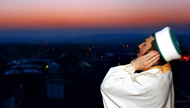 Азан – это призыв мусульман на молитву