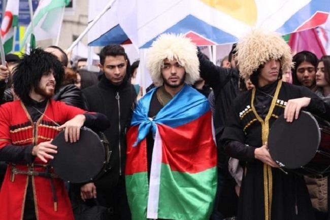 Азербайджанцы – самый крупный тюркоязычный народ на Кавказе