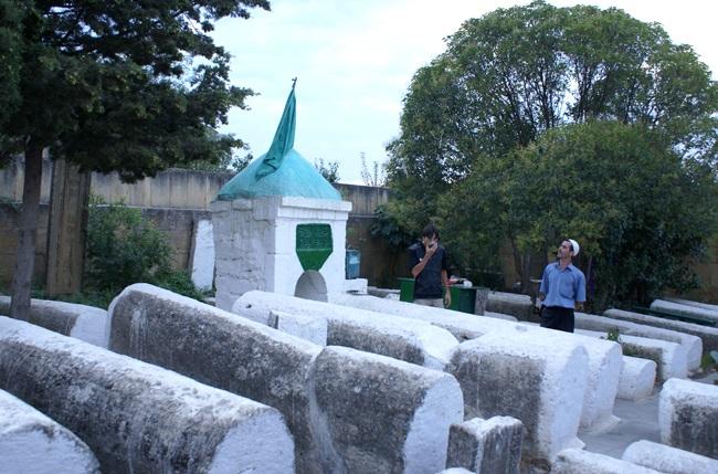 Кладбище Кырхляр – это место погребения 40 воинов-шахидов