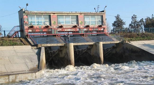 Варнавинское водохранилище расположено в 10 км северо-восточнее г. Крымска