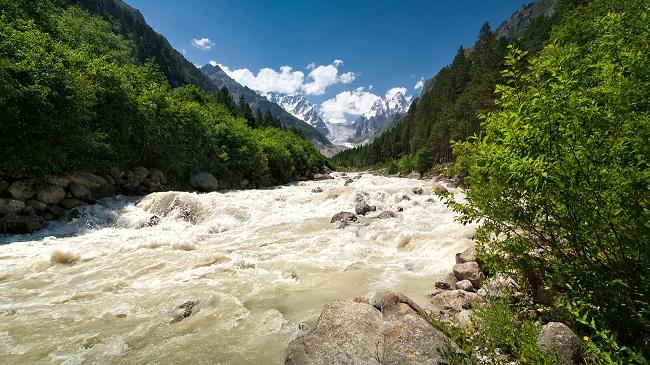 Реки кавказских гор славятся бурлящими водами
