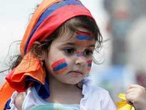 Историки спорят и выставляют много версий о происхождение армянского народа