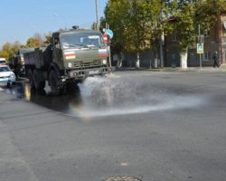 Российские военнослужащие начали дезинфекцию улиц югоосетинской столицы