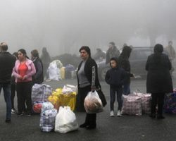 Граждане Армении собрали средства жителям территорий, попавших под контроль Баку
