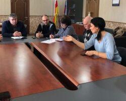 Глава администрации Дзауского района РЮО провел совещание с работниками сферы культуры