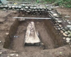 В Абхазии найден уникальный свинцовый саркофаг