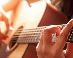 Как научиться игре на гитаре и с чего лучше начать